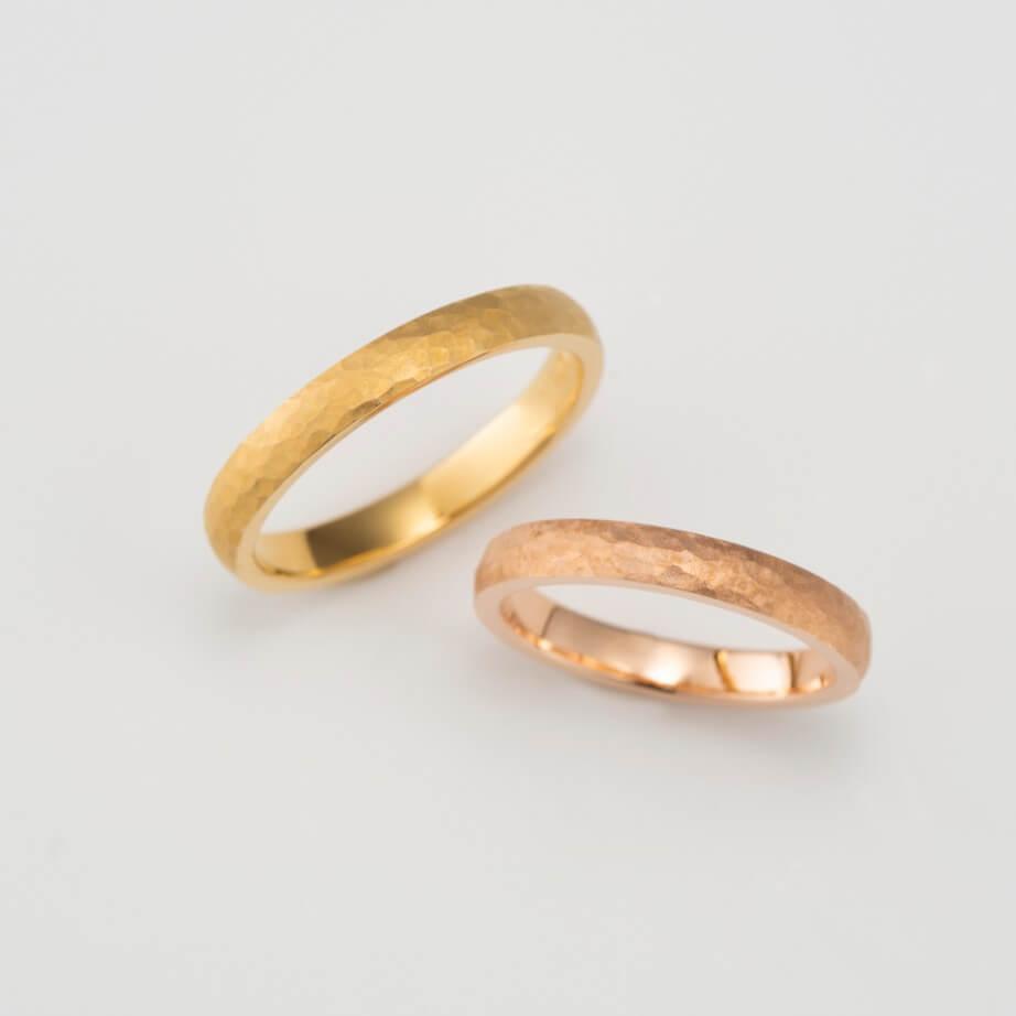 鎚目加工のストレートの結婚指輪