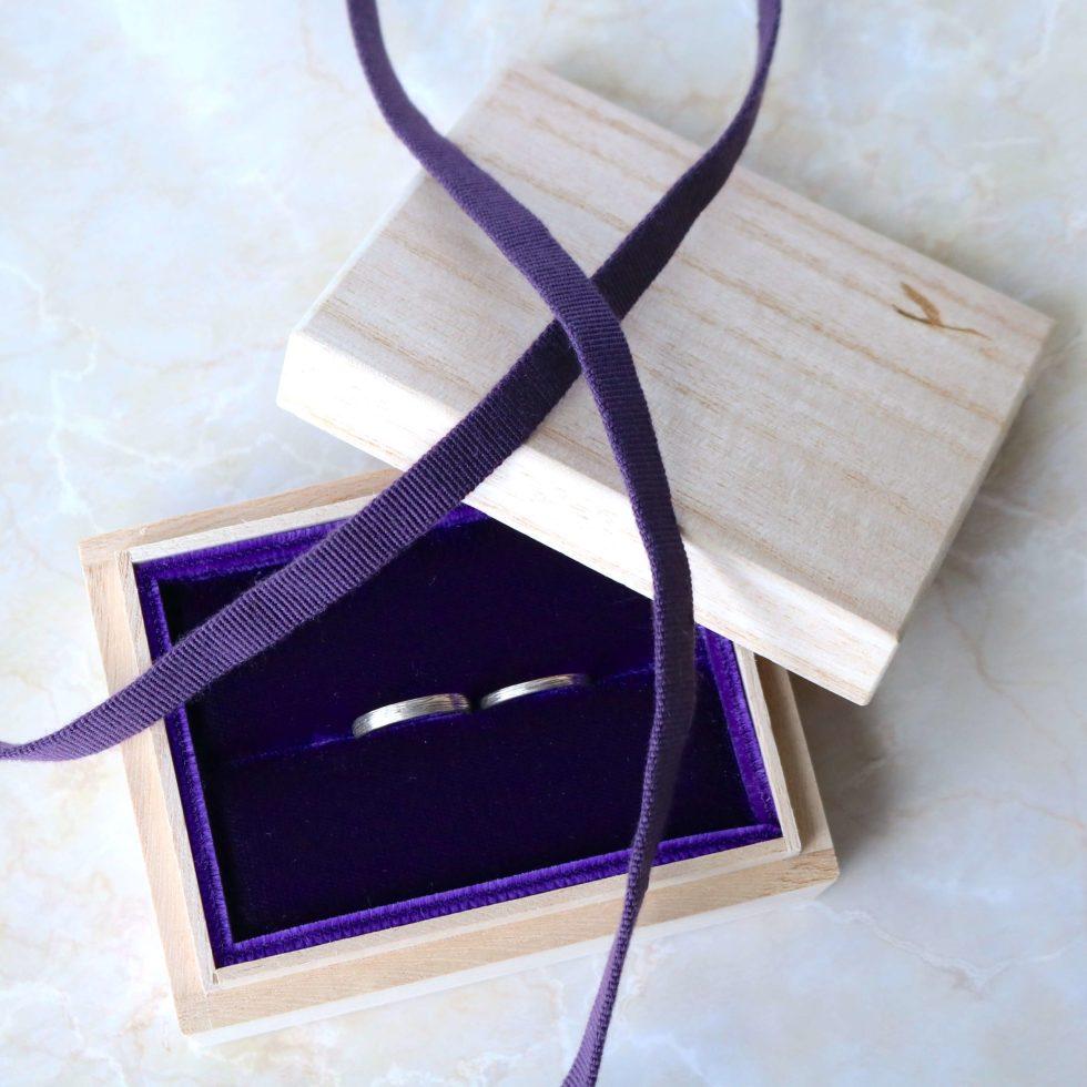 木箱(桐箱)の結婚指輪のケース