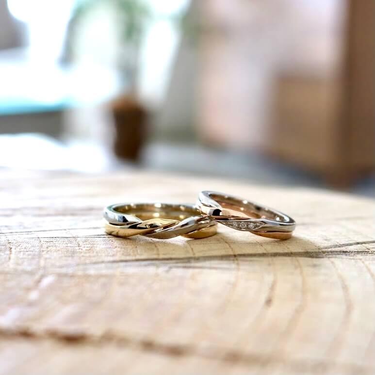 被らない(珍しい)デザインのギメルリングの結婚指輪
