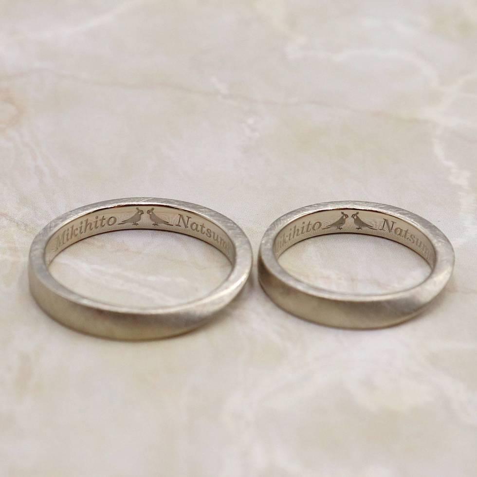 鳥のオリジナル刻印を入れた結婚指輪