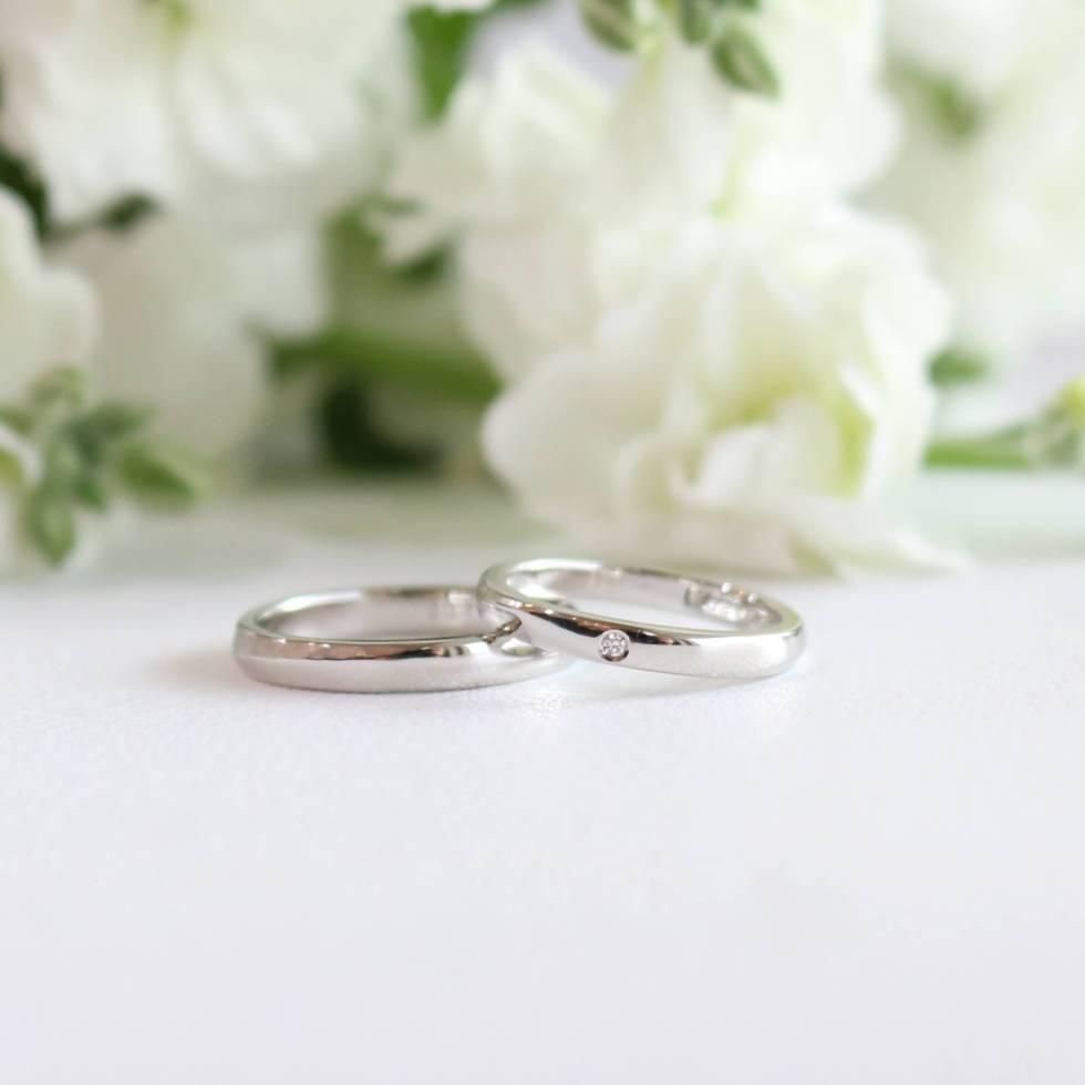 ダイヤモンドをあしらった結婚指輪