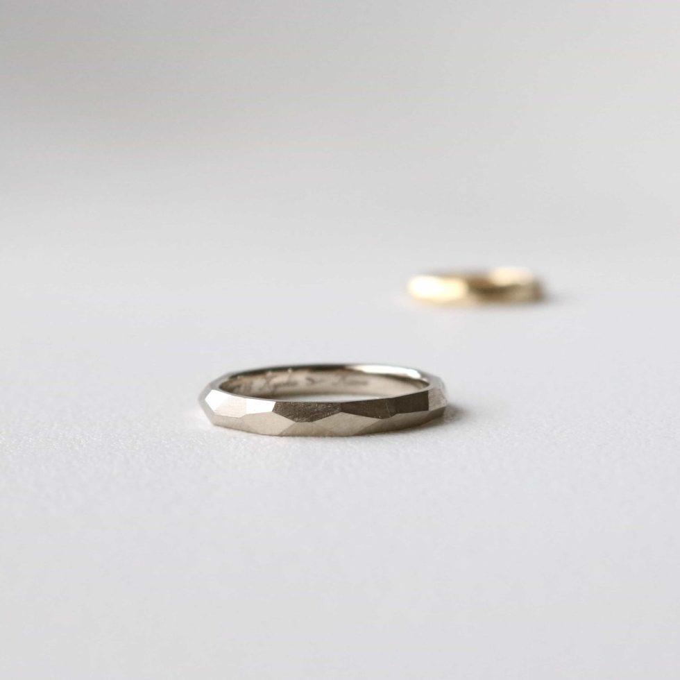 ホワイトゴールドのオーダーメイドの結婚指輪
