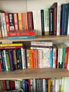raamatud ajavad eelarve lõhki