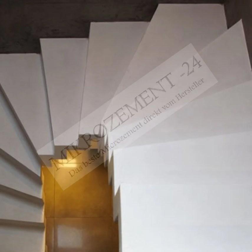 Mikrozement-24.de_F-Floor_ITFloor_Massivtreppe_Betonlook_Sichtbeton_Boden_weiss