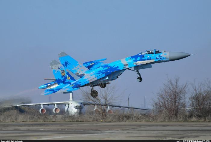 Повітряні сили отримають два Су-27