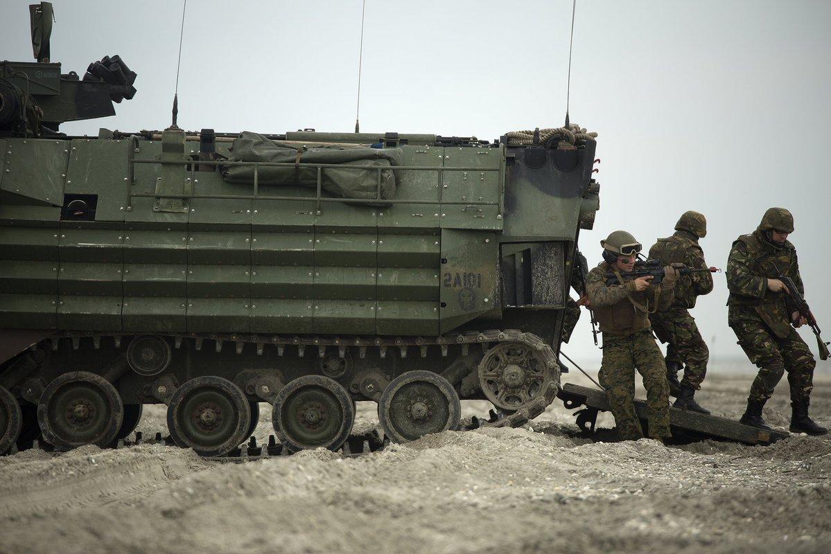До країн НАТО у Східній Європі продовжують прибувати військовослужбовці та техніка альянсу.