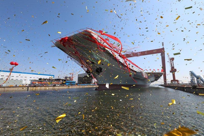 """В Китаї спустили на воду авіаносець побудований по зразку """"Ляонін"""""""