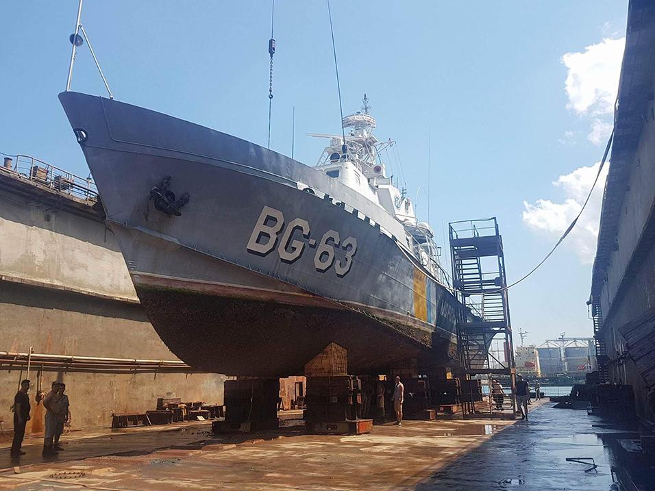 Судноверф «Україна» Одеського порту відновила ремонт військових кораблів