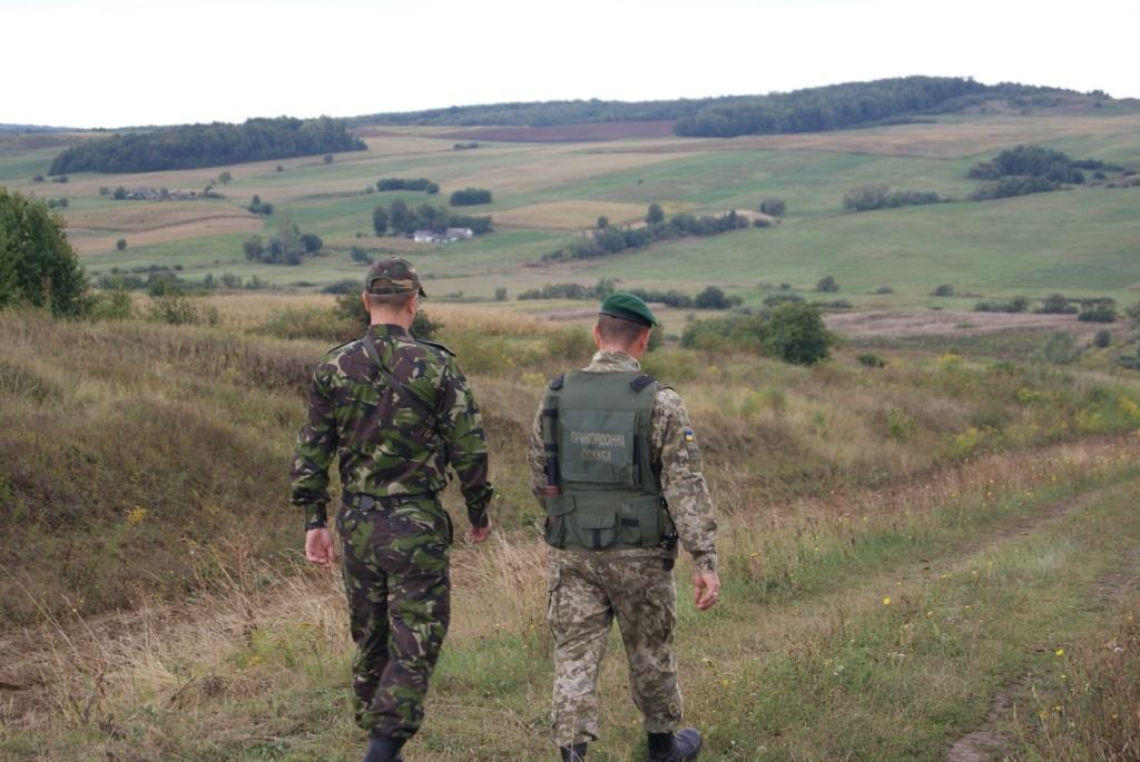 Ділянку кордону у Чернівецькій області розпочали спільно патрулювати працівники ДПСУ та прикордонної поліції Румунії