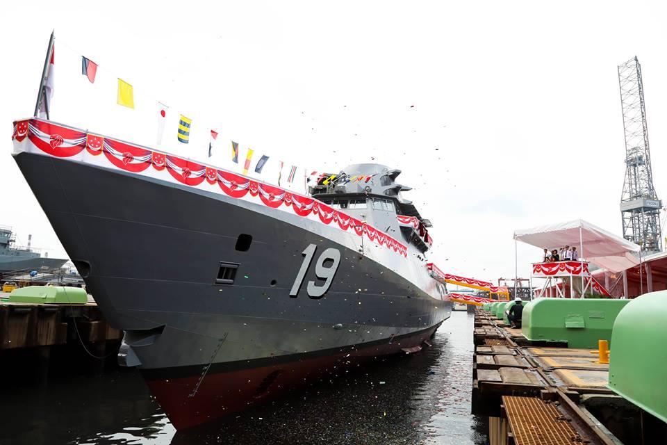 Для ВМС Сингапуру спустили на воду 5 корабель типу LMV