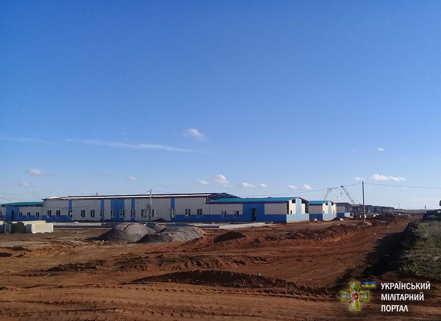 Продовжується будівництво стаціонарного табору на полігоні Широкий Лан