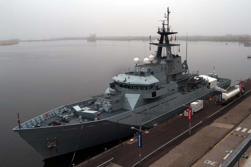 Патрульний корабель HMS Severn в останнє відвідає Ньюпорт перед списанням