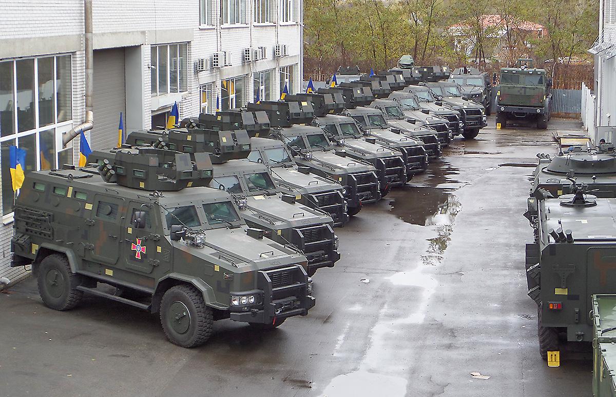 """Збройні Сили України отримали партію бронеавтомобілів """"Козак-2"""""""