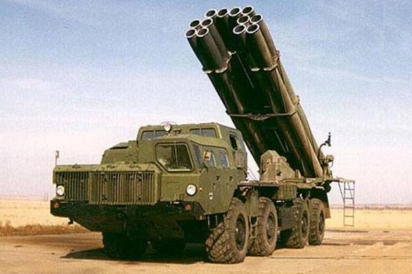"""300 мм реактивна система залпового вогню БМ-30 """"Смерч"""""""