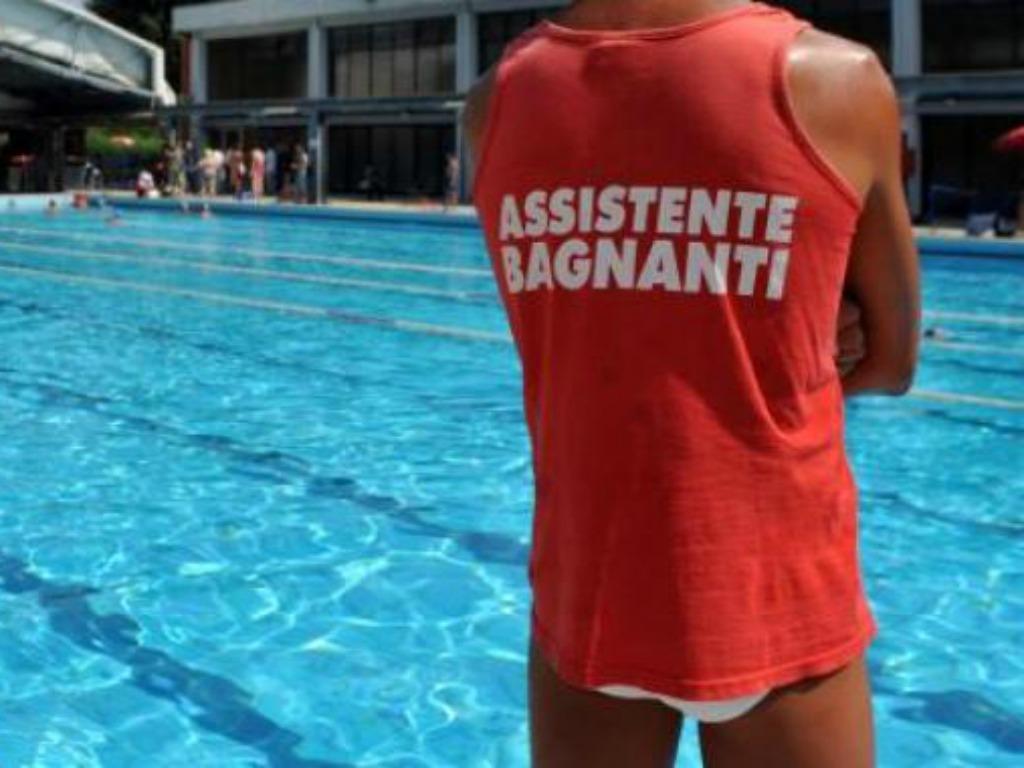 Come diventare bagnino in piscina corsi e requisiti