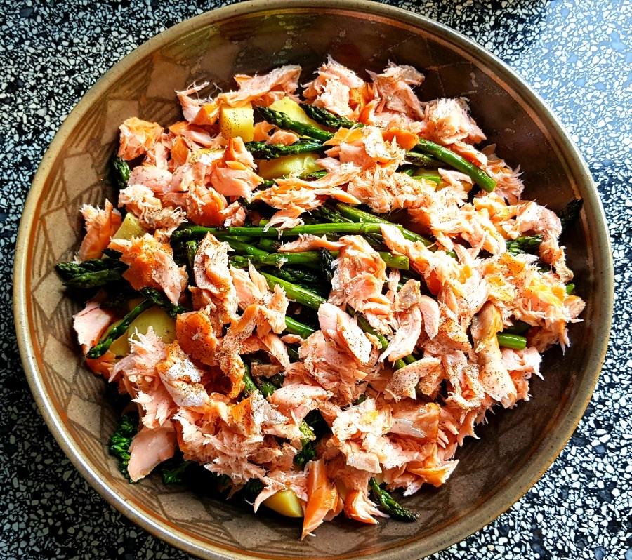 Smoked Salmon & Vegetable Salad