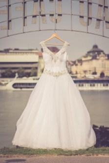 Svadba v Bratislave v Au Cafe, svadobne saty