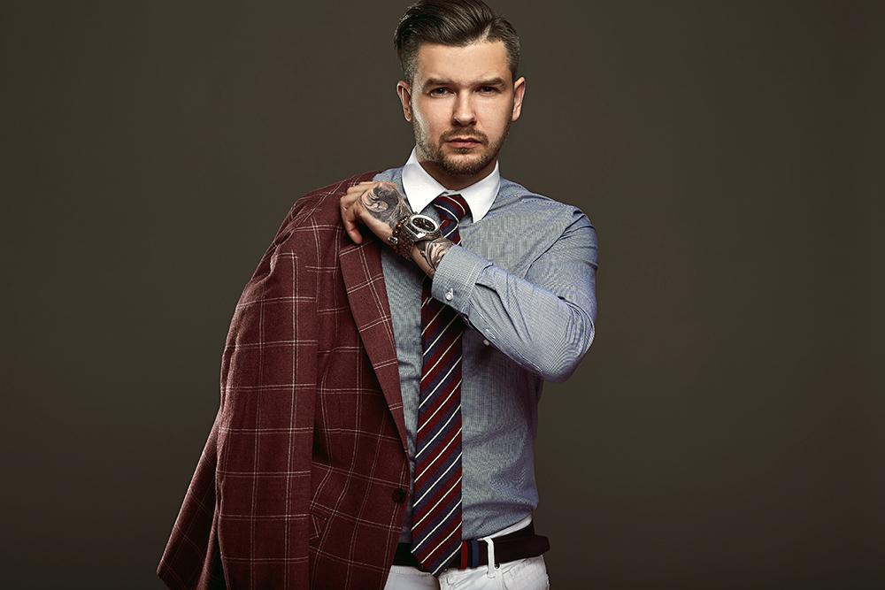 Tips για να συνδυάζεις πουκάμισο, παπούτσια και αξεσουάρ με κοστούμι