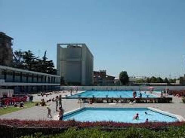 Troppe spese e vandalismi stop ai tuffi in piscina  Corriereit