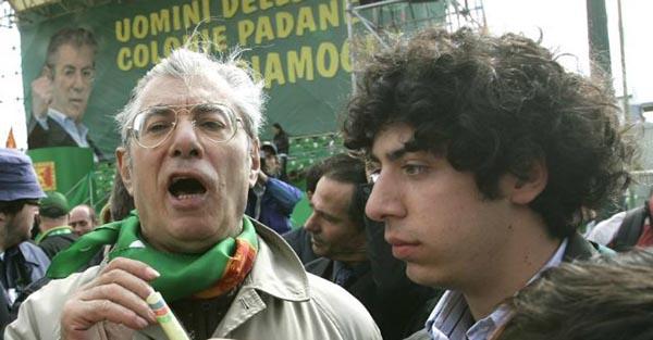"""Lega Nord: condannati Umberto Bossi, il figlio Renzo detto """"il Trota"""" e l'ex tesoriere Belsito"""