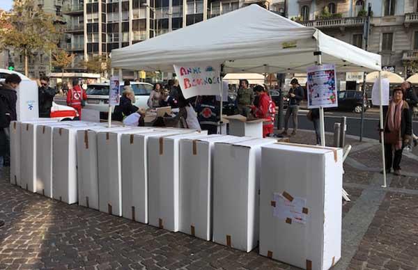 Milano, fine di settimana di solidarietà con la raccolta di alimentari, coperte e indumenti pesanti