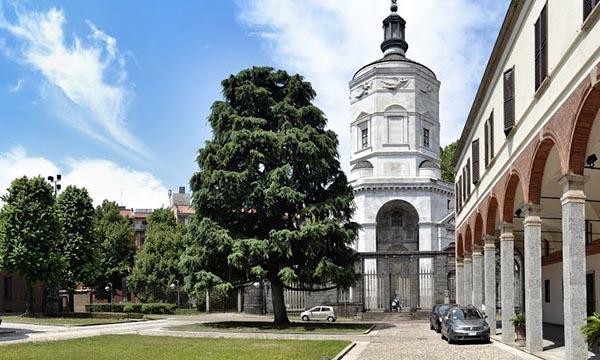 Restaurate le due fontane del Tempio della Vittoria in piazza Sant'Ambrogio