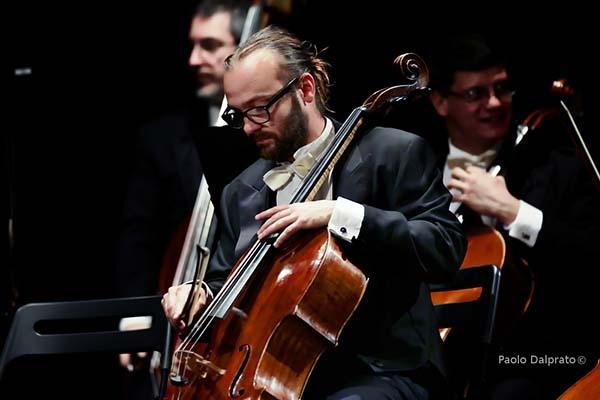 """Al Teatro Gerolamo, l'Orchestra laVerdi presenta """"Il Violoncello da Bach a Michael Jackson"""". Il 17 e 19 maggio"""