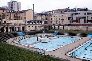 Rivolta per la piscina Caimi Resti pubblica via i privati  Milano  Repubblicait