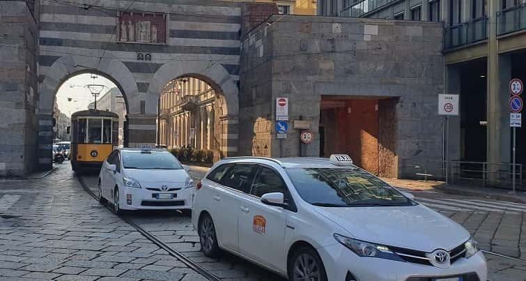 numero di telefono taxi a Milano