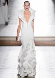 свадебные платья с вышивкой Свадебное платье рыбка с воланами Tony Ward Haute Couture осень-зима 2017/18