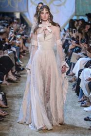 bridal-couture-fw2017-elie-saab-05-min