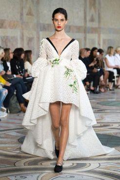 необычное Свадебное платье Giambattista Valli Haute Couture осень-зима 2017/18