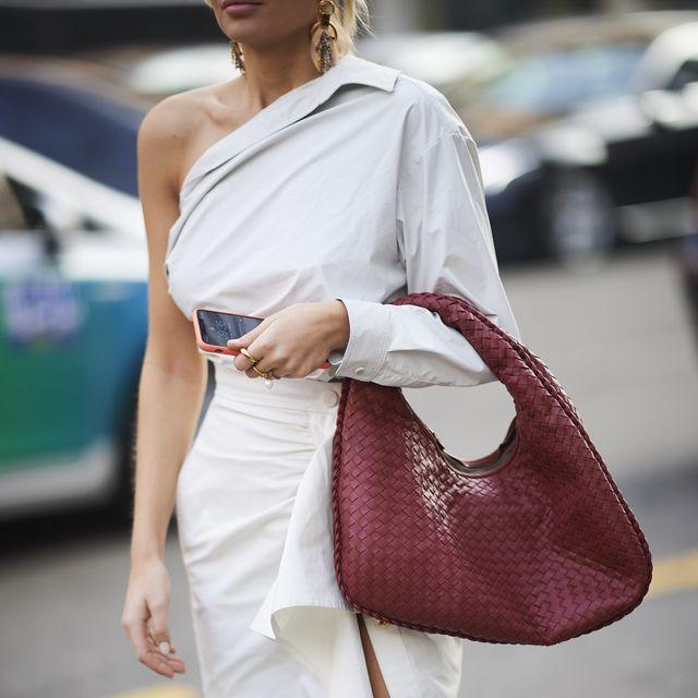 модная белая рубашка стрит стайл - как можно модно белую рубашку