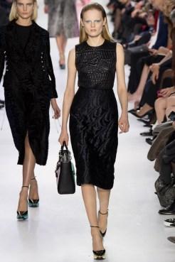 идеальное черное платье