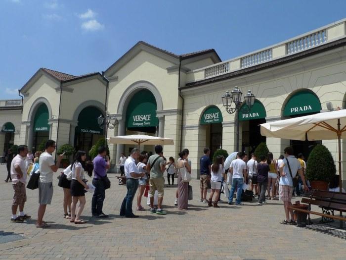 rasprodazhi outlet Serravalle
