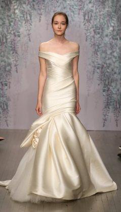 06-monique-lhullier-fall-2016-bridal-min