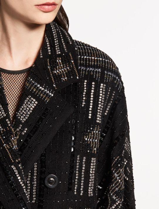 вышивка на пальто МАкс Мара