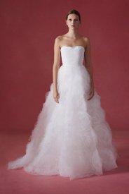 Oscar de la Renta wedding collection Fall 2016 12_601x901