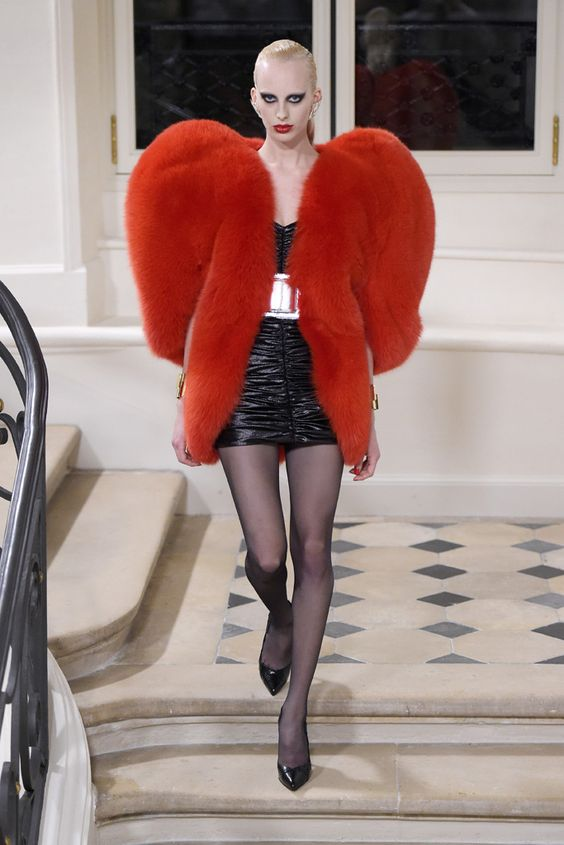 saint-laurent-fur-red-fall-2016