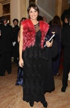 черное платье Шервино на прембьере в театре Милан