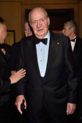 дресс код black tie для мужчин - король Карлос на премьере в Ла Скала Милан 2016