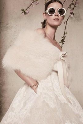 свадебное платье с меховой накидкой Elie Saab bridal 2018