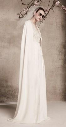 прямое свадебное платье с накидкой кружево Elie Saab bridal 2018