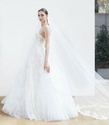 свадебное платье с пышной юбкой Oscar de la Renta Spring 2018 Wedding