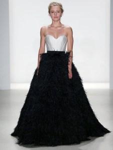 свадебное платье с черной юбкой Kelly Faetanini 2018