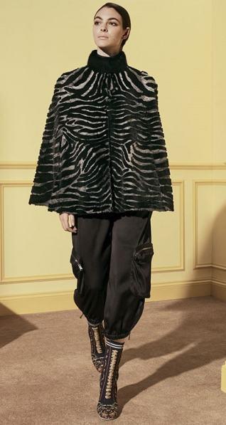 норкое модное манто Фенди под леопарда зима 2018