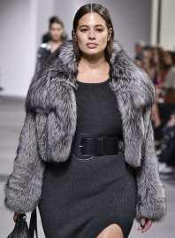 модная шуба Michael Kors fw17_18 в Милане