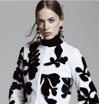 модная итальянская шуба из норки в Милане