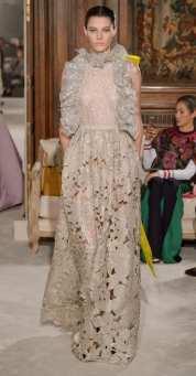 свадебное платье Валентино с вышивкой ришилье