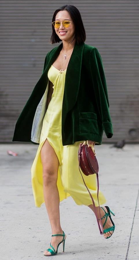 стрит стайл модный светло желтый цвет PANTONE 12-0740 Limelight - Светлый лайм
